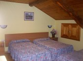 Hostal-Can-Josep-Habitacion-triple2