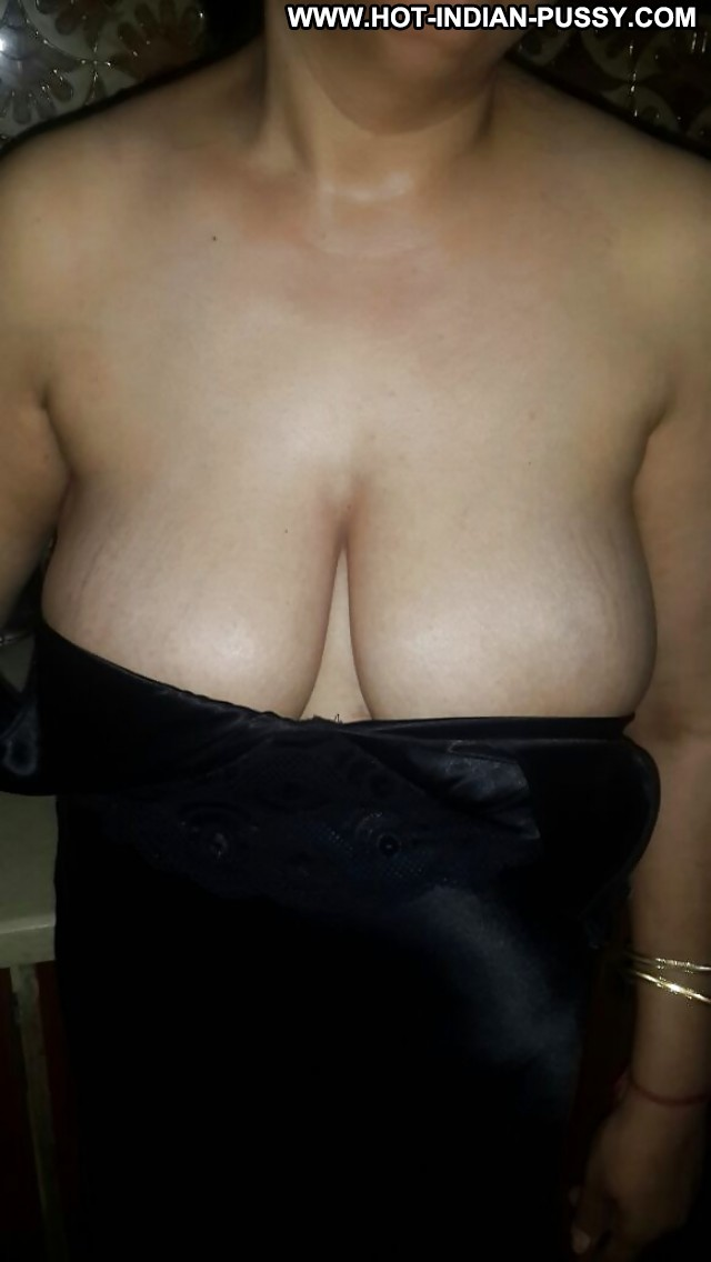 Isabelle Private Pics Indian Desi Mature Female Cute Sexy Very Horny