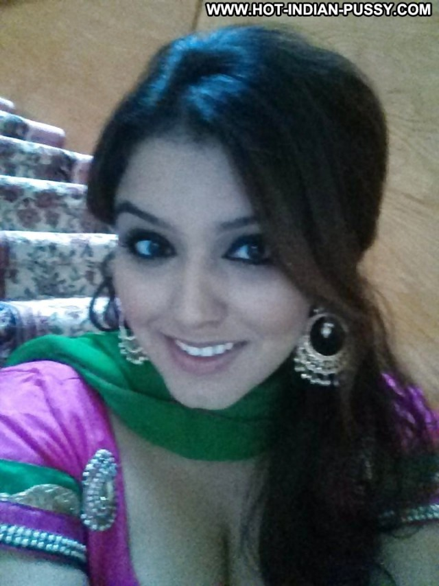 Sherril Private Pics Desi Asian Indian Babe Gorgeous Beautiful Cute