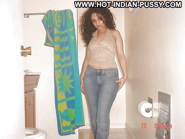 Laurence Private Pictures Hot Amateur Desi Boobs Babe Indian Sexy