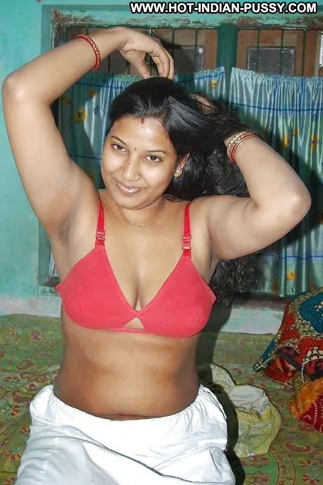 Yessenia Private Pictures Amateur Indian Hot Desi Stunning Wet Pretty