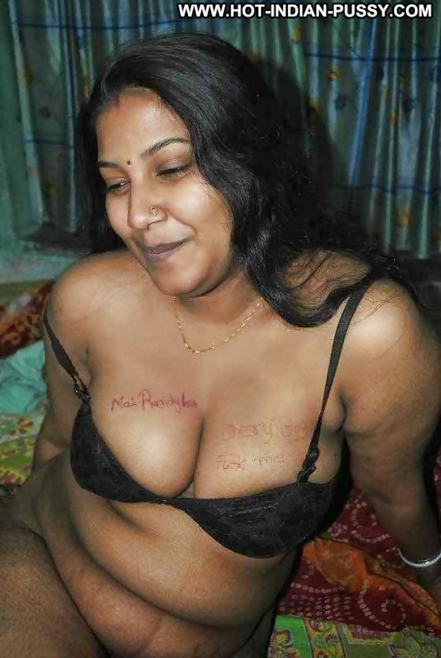 Yessenia Private Pictures Amateur Indian Hot Desi Beautiful Cute Wet