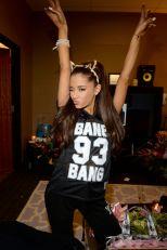 Ariana Grande (18)