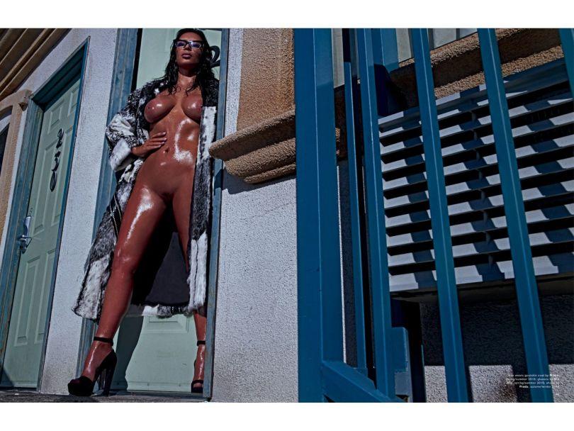 Kim Kardashian Naked in Love Magazine (Spring-Summer 2015)