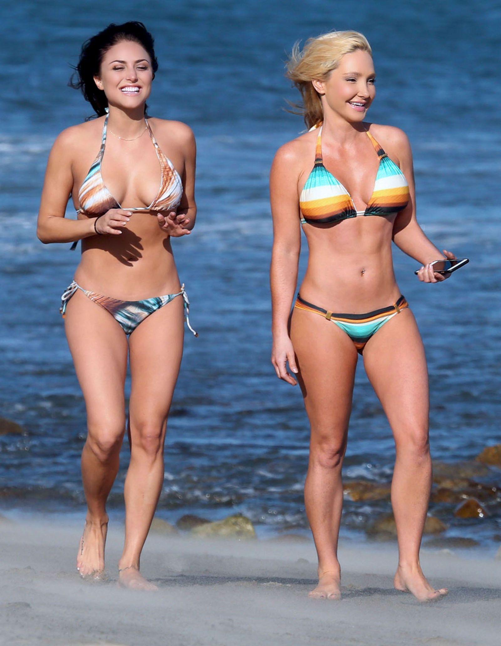 Wife tits bikini 4glover
