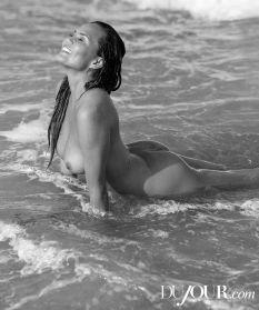 Chrissy Teigen (8)