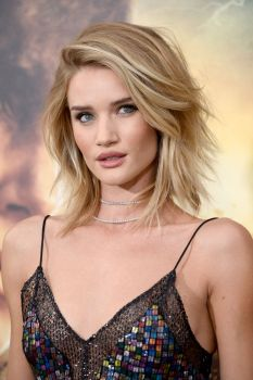Rosie Huntington Whiteley (19)