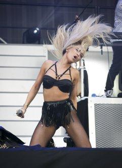 Rita Ora (18)