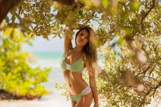 Samantha Hoopes (24)