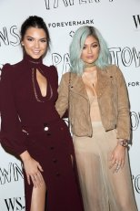 Kendall Jenner and Kylie Jenner (6)
