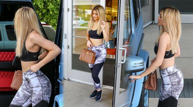 Kylie Jenner – Candids in Calabasas