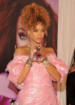 Rihanna (18)