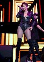 Jennifer Lopez (13)