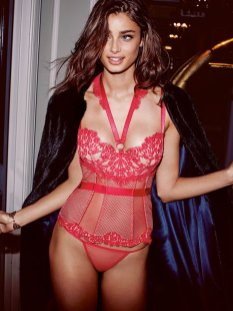 Taylor Marie Hill (18)