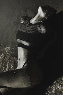 Alexis Ren (24)