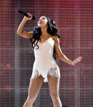 Ariana Grande (5)