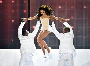 Ariana Grande (6)