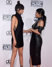 Kendall Kylie (21)