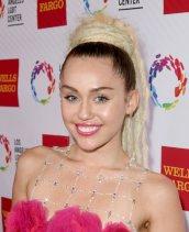 Miley Cyrus (19)