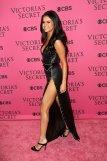 Selena Gomez (42)