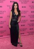 Selena Gomez (44)