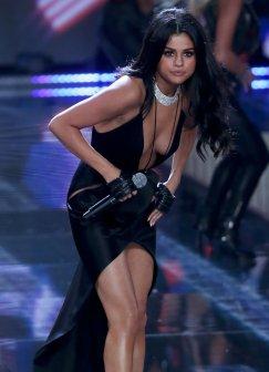 Selena Gomez (53)