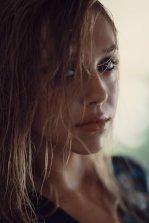 Alexis Ren (2)