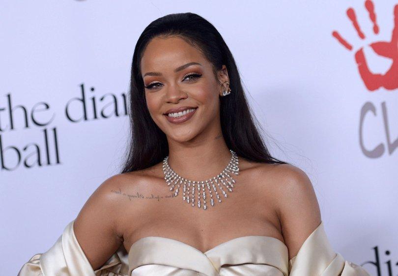 Rihanna (21)