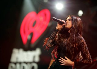Selena Gomez (24)