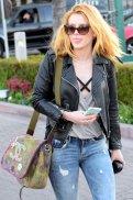 Bella Thorne (10)