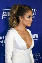 Jennifer Lopez (23)