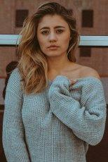 Lia Marie Johnson (19)
