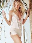 Candice Swanepoel (53)