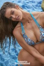 Robyn Lawley (35)