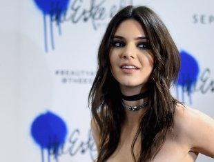 Kendall Jenner (17)