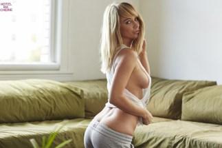 Sara Underwood (32)