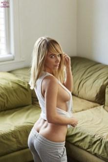 Sara Underwood (33)