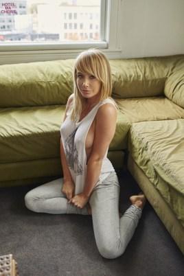 Sara Underwood (42)