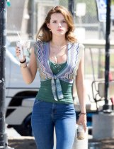 Bella Thorne (1)
