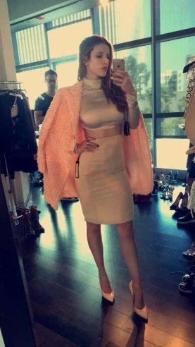 Bella Thorne (13)