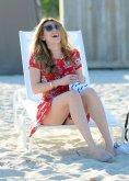 Bella Thorne (32)