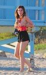 Bella Thorne (42)