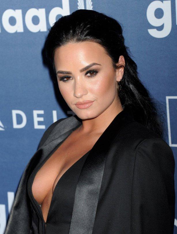 Demi Lovato (12)