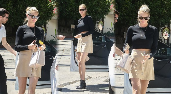 Kate Upton – Candids in Los Angeles