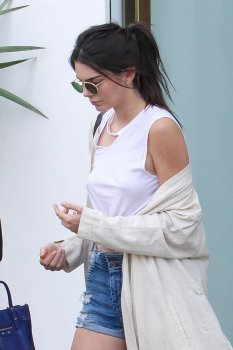 Kendall Jenner (25)