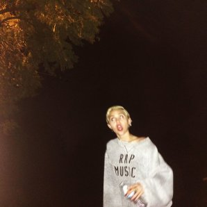Miley (60)