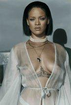Rihanna 1 (1)