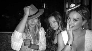 Hilary Duff 001
