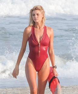 Kelly Rohrbach (32)