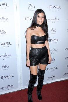 Kourtney Kardashian (12)